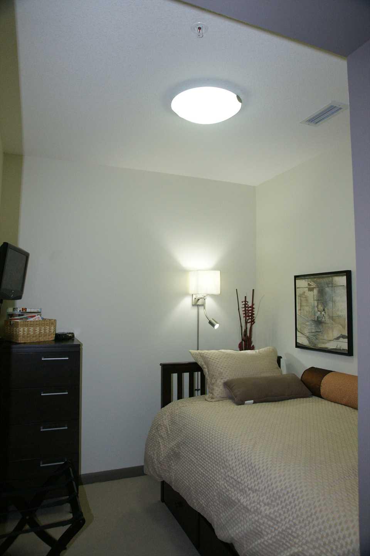 Bedroom 2 (Den)
