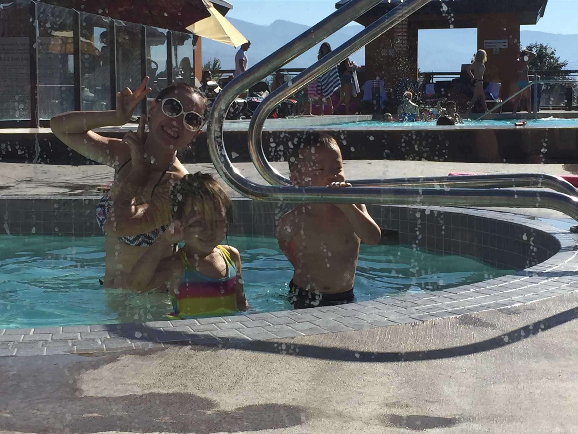 Hot Tub and Pool at Playa del Sol