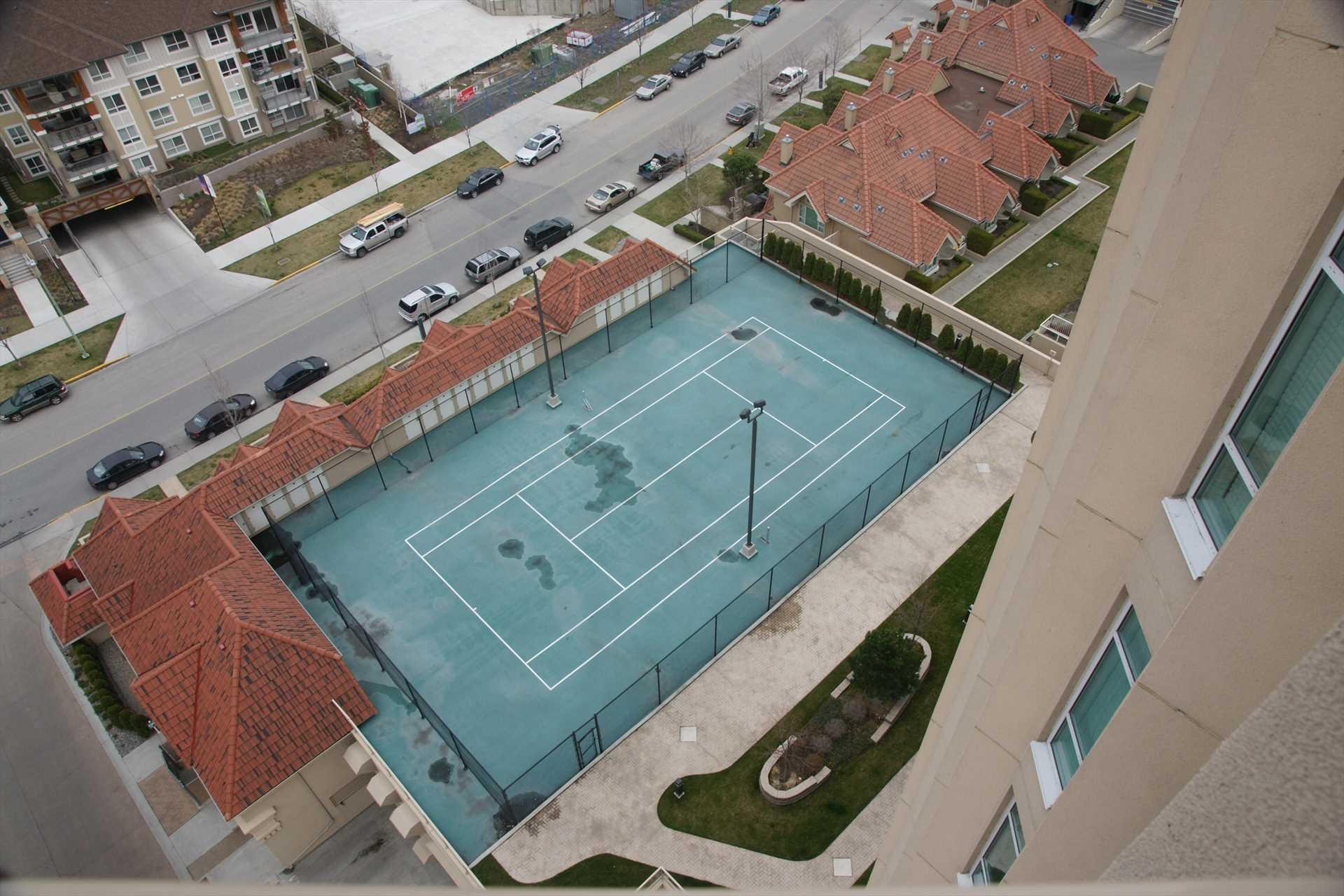 Tennis & Pickleball Court
